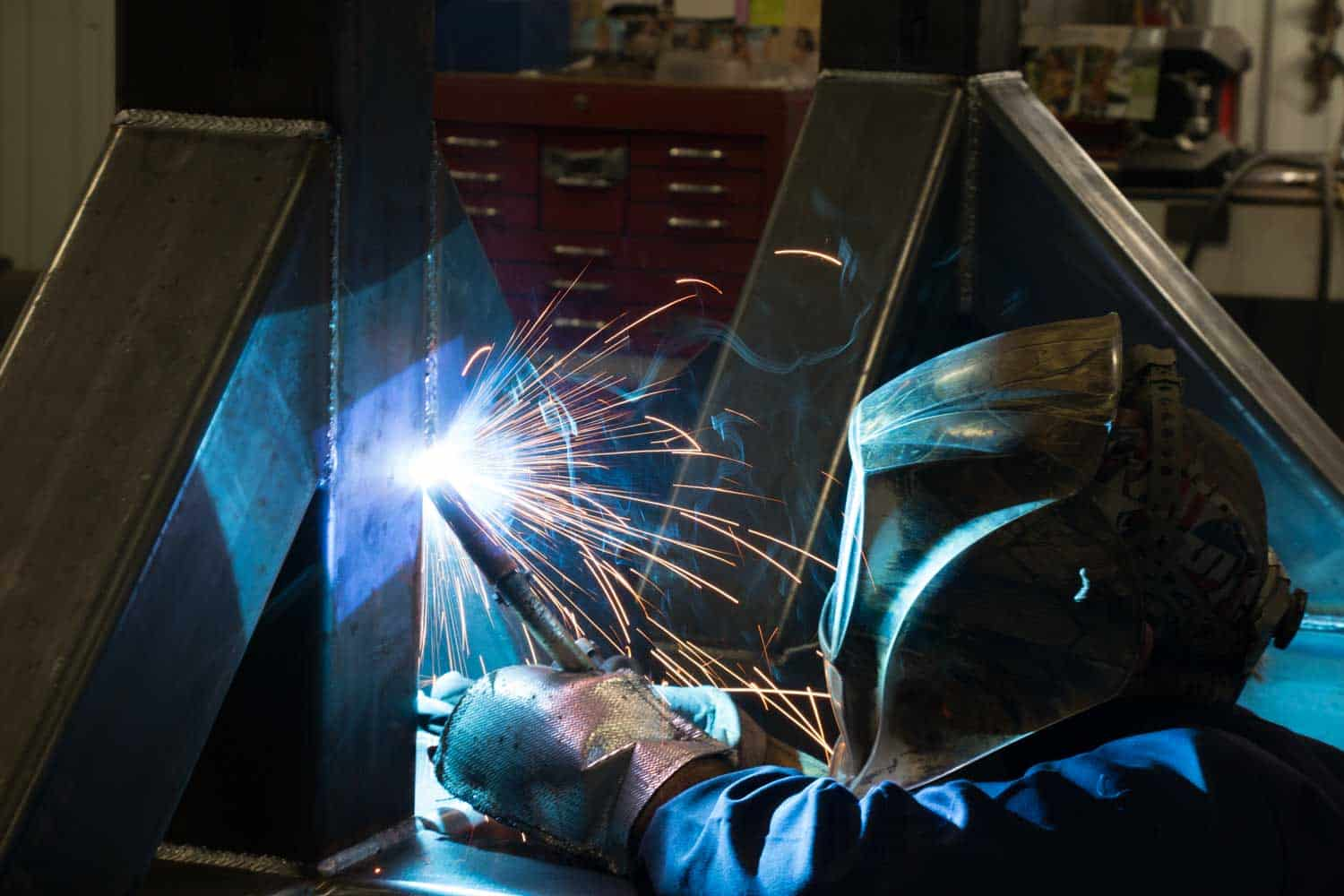 Read more about the article Precise metal fabrication depends on top-level technology