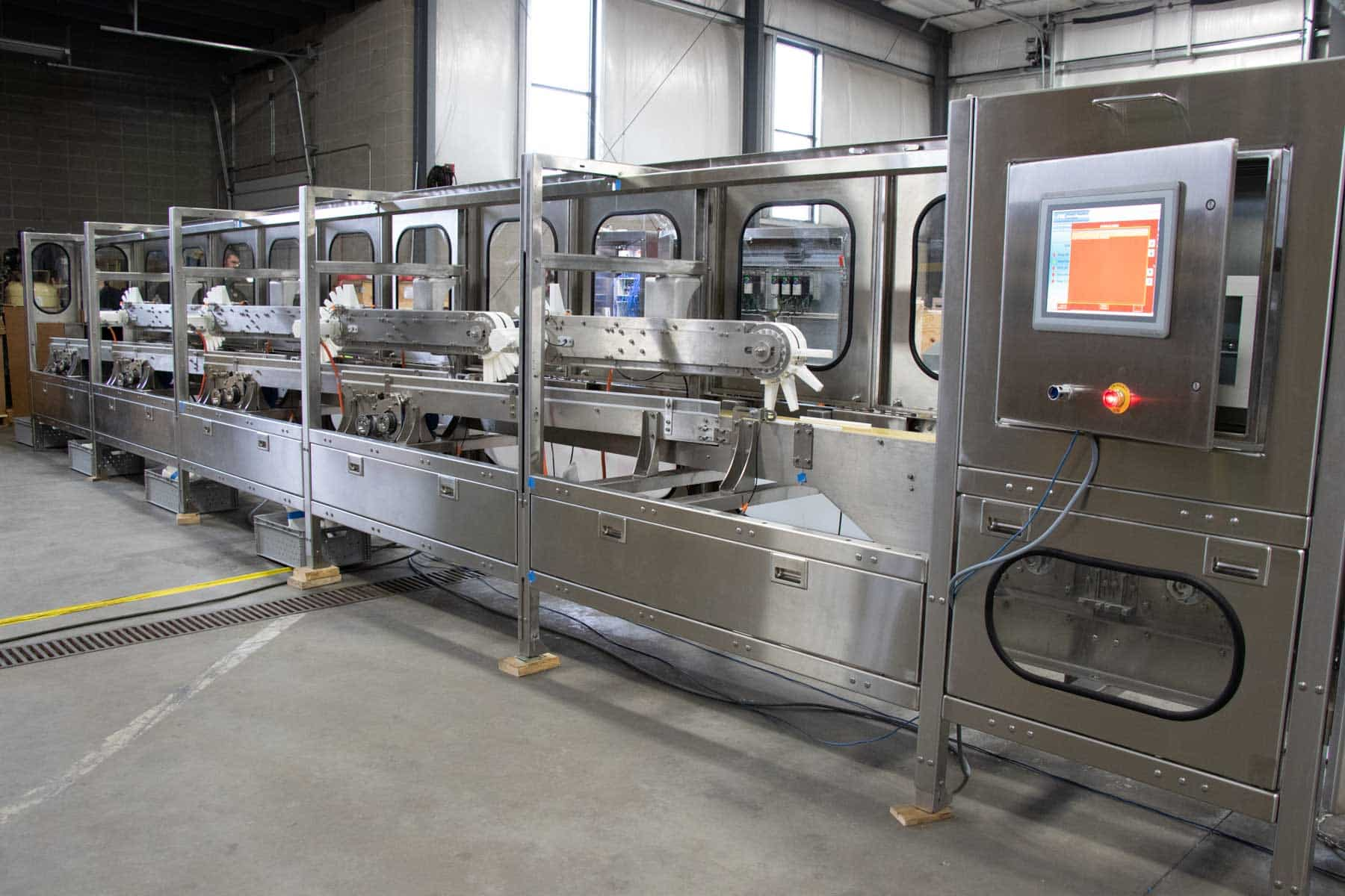 Read more about the article Lane diverter technology enhances product handling efficiency
